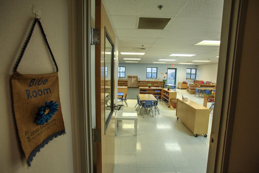 Little-Blossom-Montessori-Preschool-and-Daycare-Services-Sacramento-Natomas_26.jpg