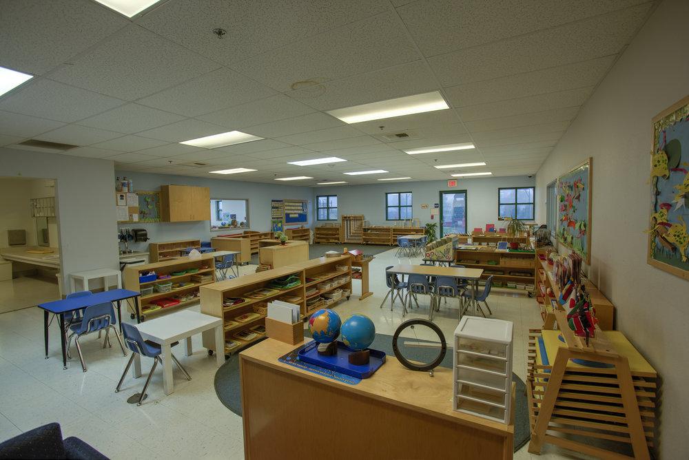 Little-Blossom-Montessori-Preschool-and-Daycare-Services-Sacramento-Natomas_28.jpg