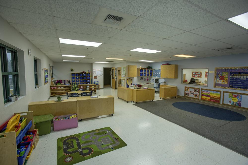 Little-Blossom-Montessori-Preschool-and-Daycare-Services-Sacramento-Natomas_30.jpg