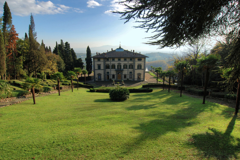 The region's most famous decorators contributed to the design of this 19th century historic estate in Florence.