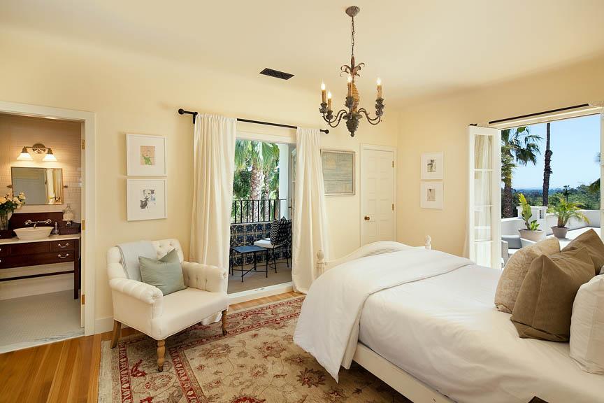 9-Bedroom-1-Jim-Bartsch.jpg