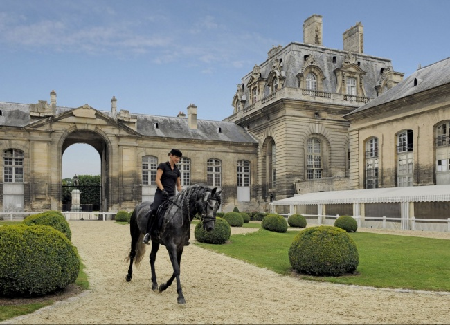 domaine de cahntilly Grand Stables .jpg