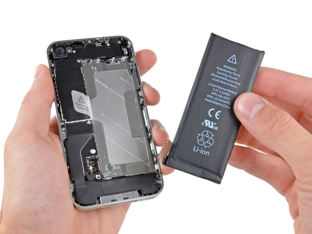 iPhone-battery-replacement.jpg