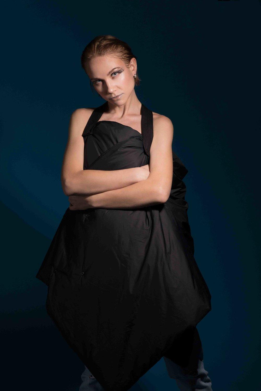 Blanket transformer @lee__ole,Earrings @epl_diamond