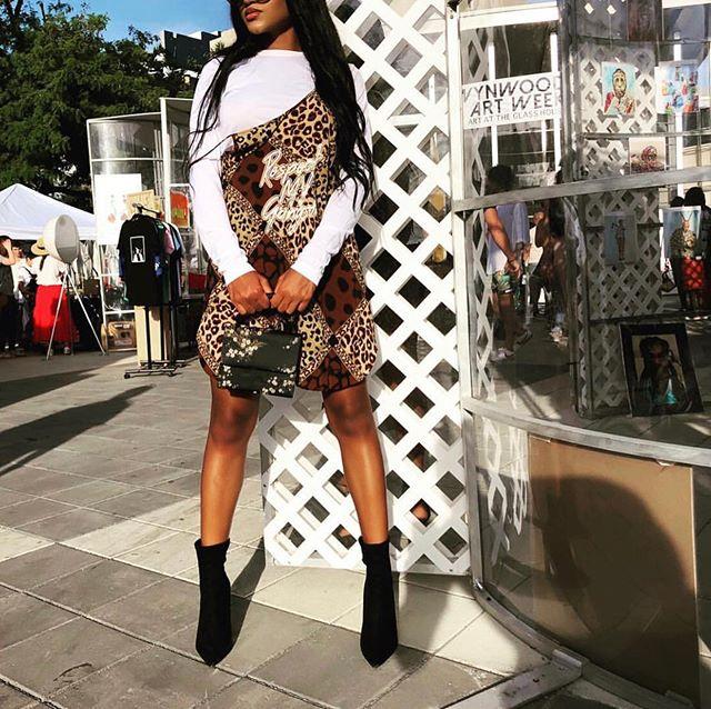 #Repost @itsalyshabrianna ・・・ respect my gangsta • • • dress: @womanstouchapparel • styled by: @styledbyswae  @famegallerymia  #wynwoodartdistrict #teamfame #famegallerymia #artbasel #artbasel2018