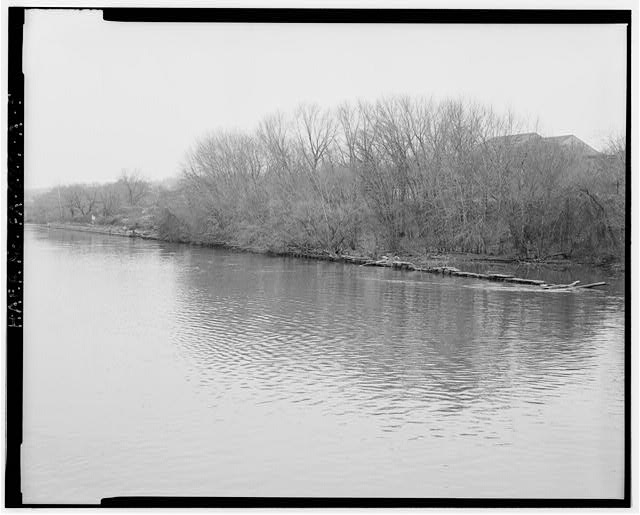 5. View Looking Northeast at Upper Guide Wall Remains and Land Wall from the Ohio River. Beaver County, Pennsylvania. Library of Congress Prints & Photographs Online Catalog.