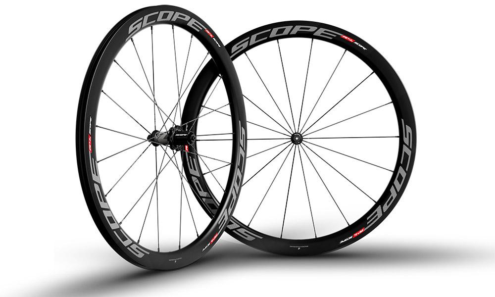 Scope-Cycling_R4c_carbon-tubeless-clincher-rim-brake-road-wheels_studio.jpg