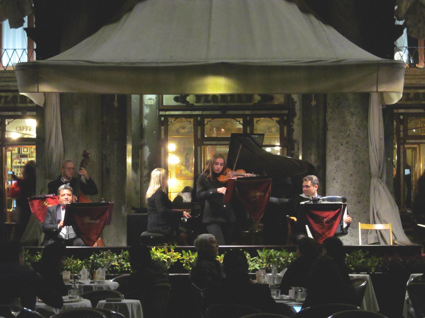 serenading-dinner