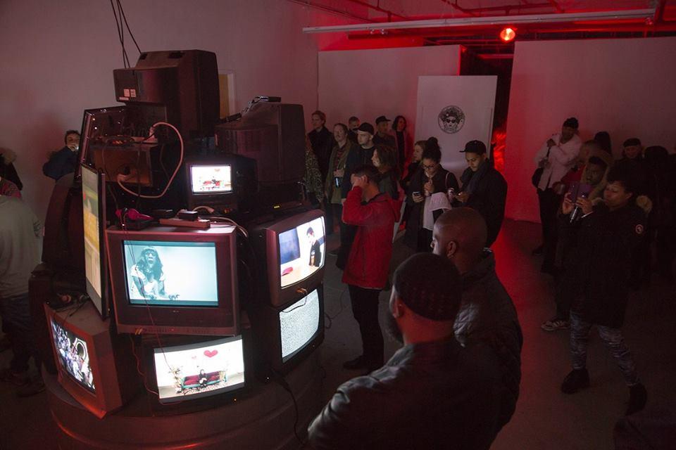 This is ur Brain video installation