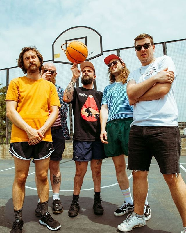 Idles repping Bench Press 👌👌👌 Photo: @dani__hansen for @happymagtv