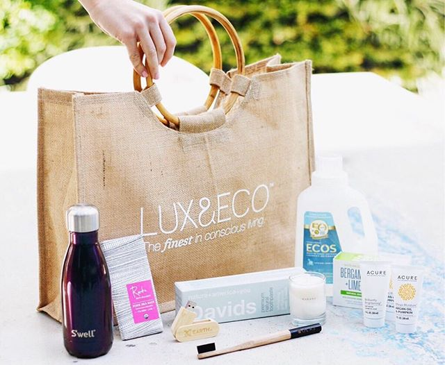 Throwback to a fun photoshoot with @luxandeco for the @globalgreen Pre Oscar Gala goodie bags this year! • • • • •  #manhattan #graphicdesignerlife  #girlboss #newyorkcity #creative #smallbusinessstrategy #marketingstrategy #entrepreneurswag #bossbabes #womenrunthis #newyork #nyc #photography #creativemarketing #smallbusiness #marketing #bosslady #savvybusinessowners #socialsociety #graphicdesignerlife #entrepreneursofinstagram #digitalmarketing #marketingnyc #brandingtips