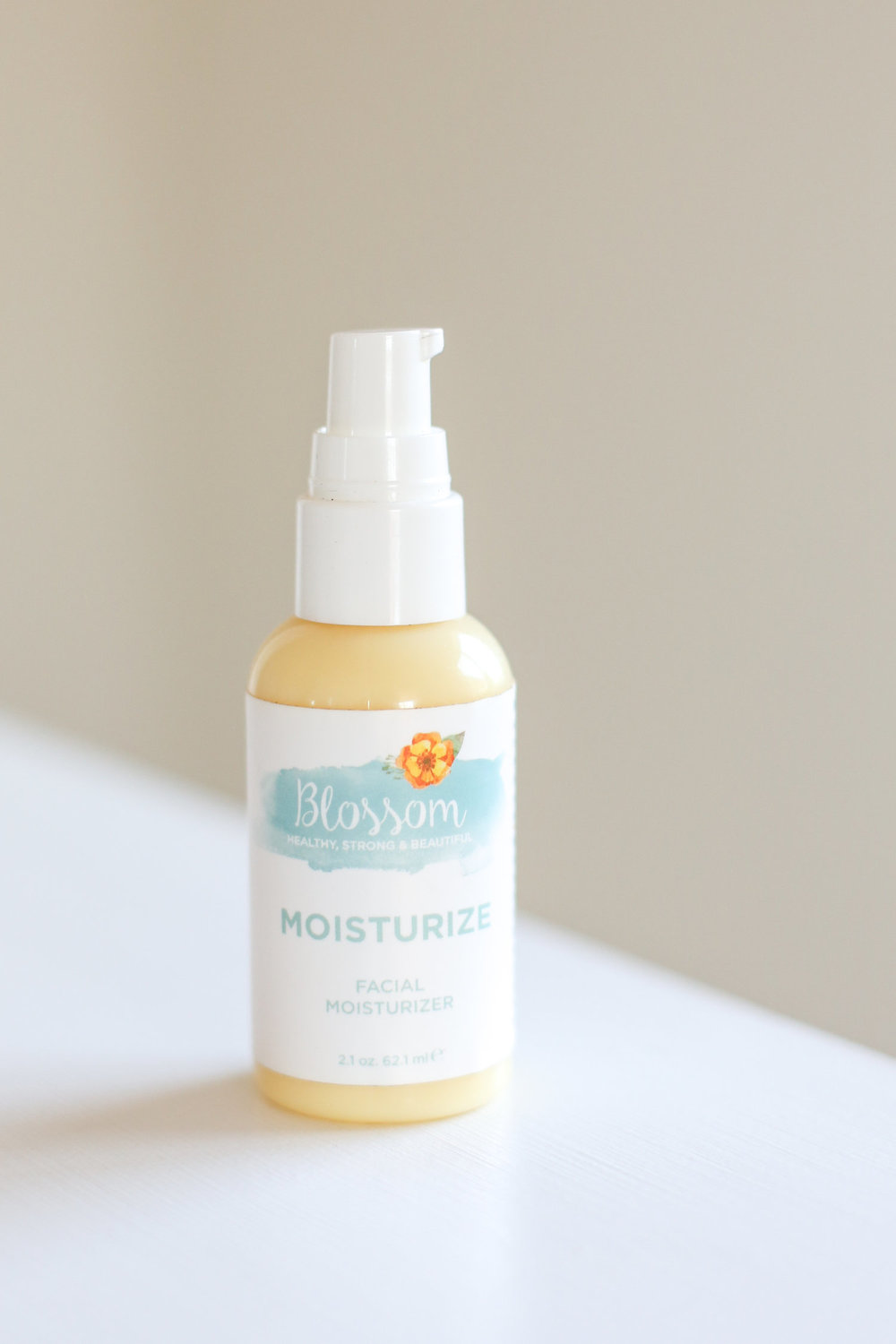 MOISTURIZE - The Moisturizer combines soothing aloe vera with plant oils like argan, jojoba, and avocado oils to seal in water without clogging your pores.