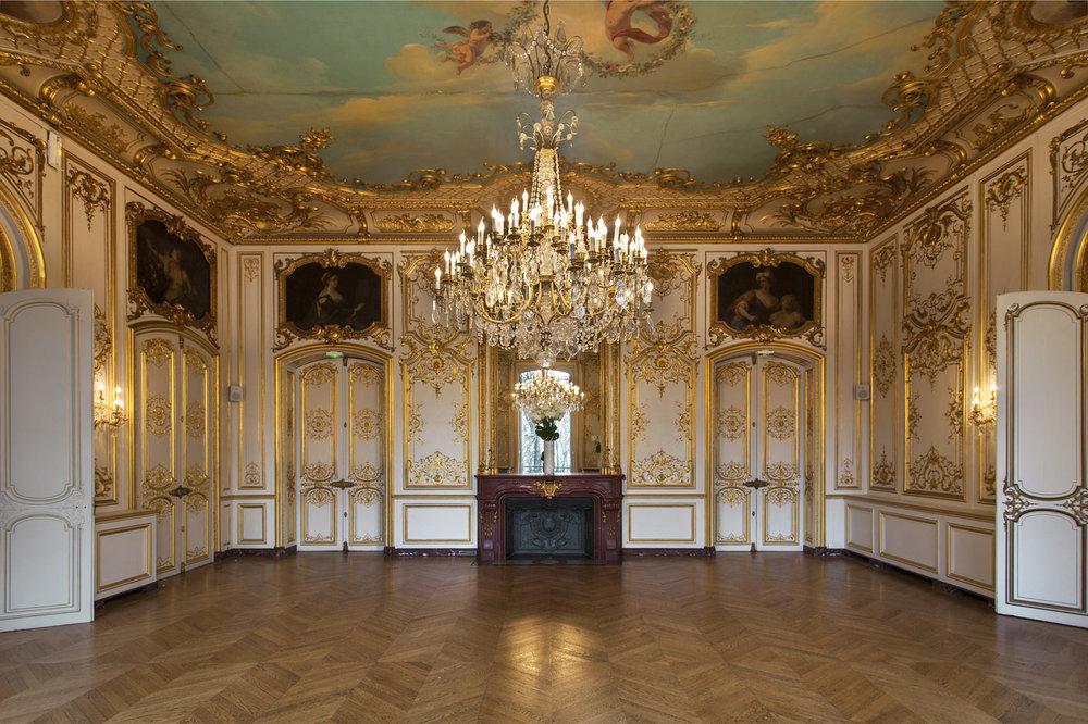 Bridefriends Destination Wedding Podcast - 007 - Fete in France - Hotel Le Marois 10.jpg