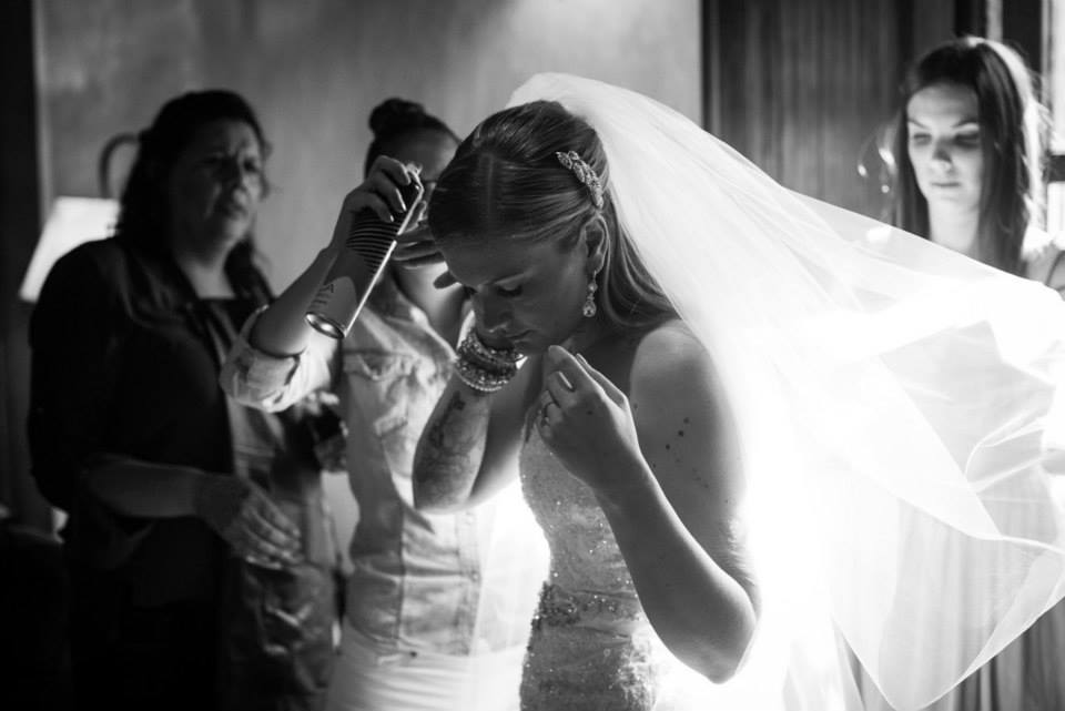 bridefriends-guide-to-destination-weddings-podcast-blackdesti-black-destination-bride-2017-lea-funkhouser-antigua-guatemala-episode-5-bride-getting-ready-2.jpg