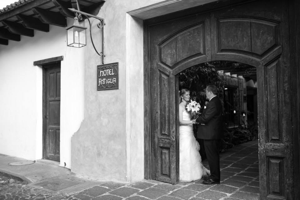bridefriends-guide-to-destination-weddings-podcast-blackdesti-black-destination-bride-2017-lea-funkhouser-antigua-guatemala-episode-5-bride-with-dad.jpg