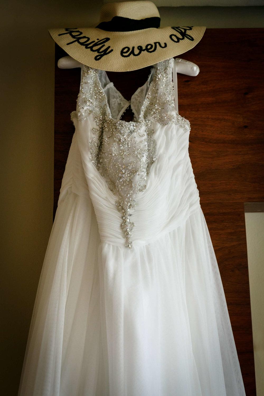 tressa-how-to-plan-a-destination-wedding-in-cancun-mexico-moon-palace-resort-black-destination-bride-destiland-desti-guide-to-destination-weddings-beach-wedding-dress.jpg