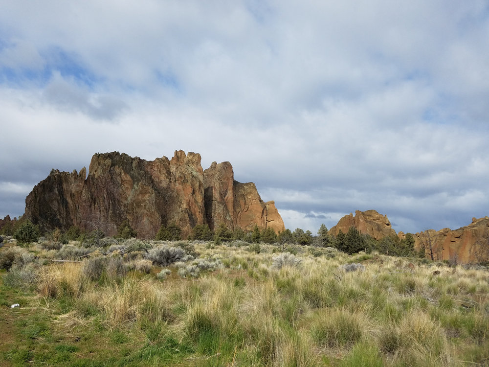 Smith Rock State Park. Grassland. 7 Wonders of Oregon. Splendid Wonders Blog