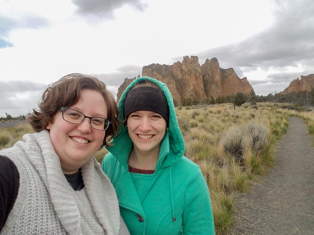 Smith Rock State Park. Happy Adventurers. 7 Wonders of Oregon. Splendid Wonders Blog