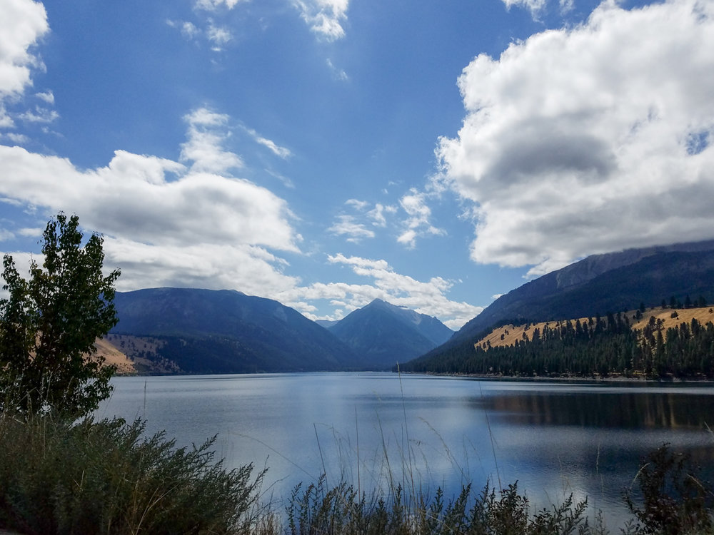 The Wallowas. Lake in the Sunshine. 7 Wonders of Oregon Series. Splendid Wonders Blog