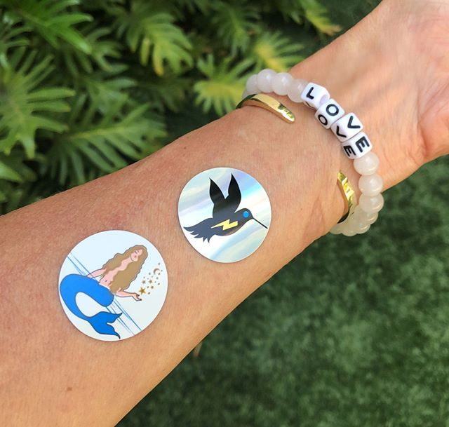 Trending hard this week #atthebeach & #antianxiety as seen on our health guru @elissagoodman ⚡️⚡️⚡️ #vibehigh • • • • • • • #mybodyvibes #bodyvibes #smartstickers #frequencyeffect #goodvibes #lifeinflow #livewell #believeorleave #nontoxic #vibehigh #magic #magicstickers #besmart #vibes #losangeles #beverlyhills #selfcare #antianxiety #energy #love #beauty #chakras #vibes #mood #healing #nature #empowerment #frequency #positivevibes