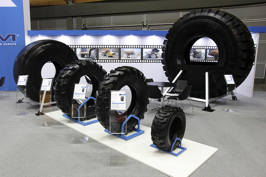 360-display-retail-expo-systems-stands-hire-designers-sydney-melbourne-newcastle-gold-coast-brisbane-Maxam-Tire-4.jpg