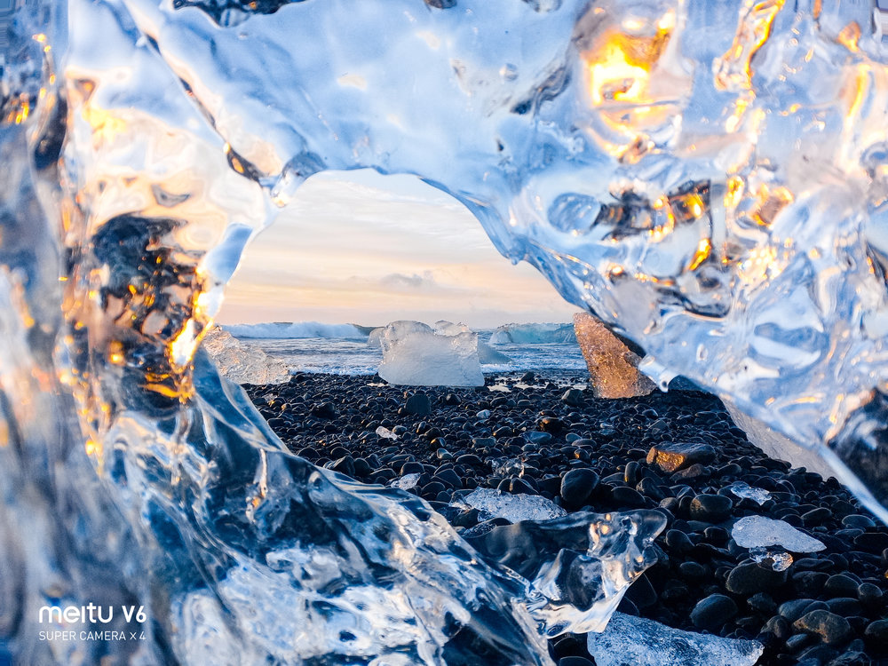 IceBeachSunrise_MeituIceland_TaylorBurk-2.jpg