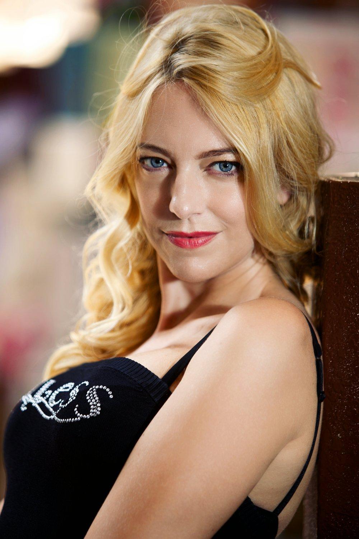 Natasha1_v2.jpg