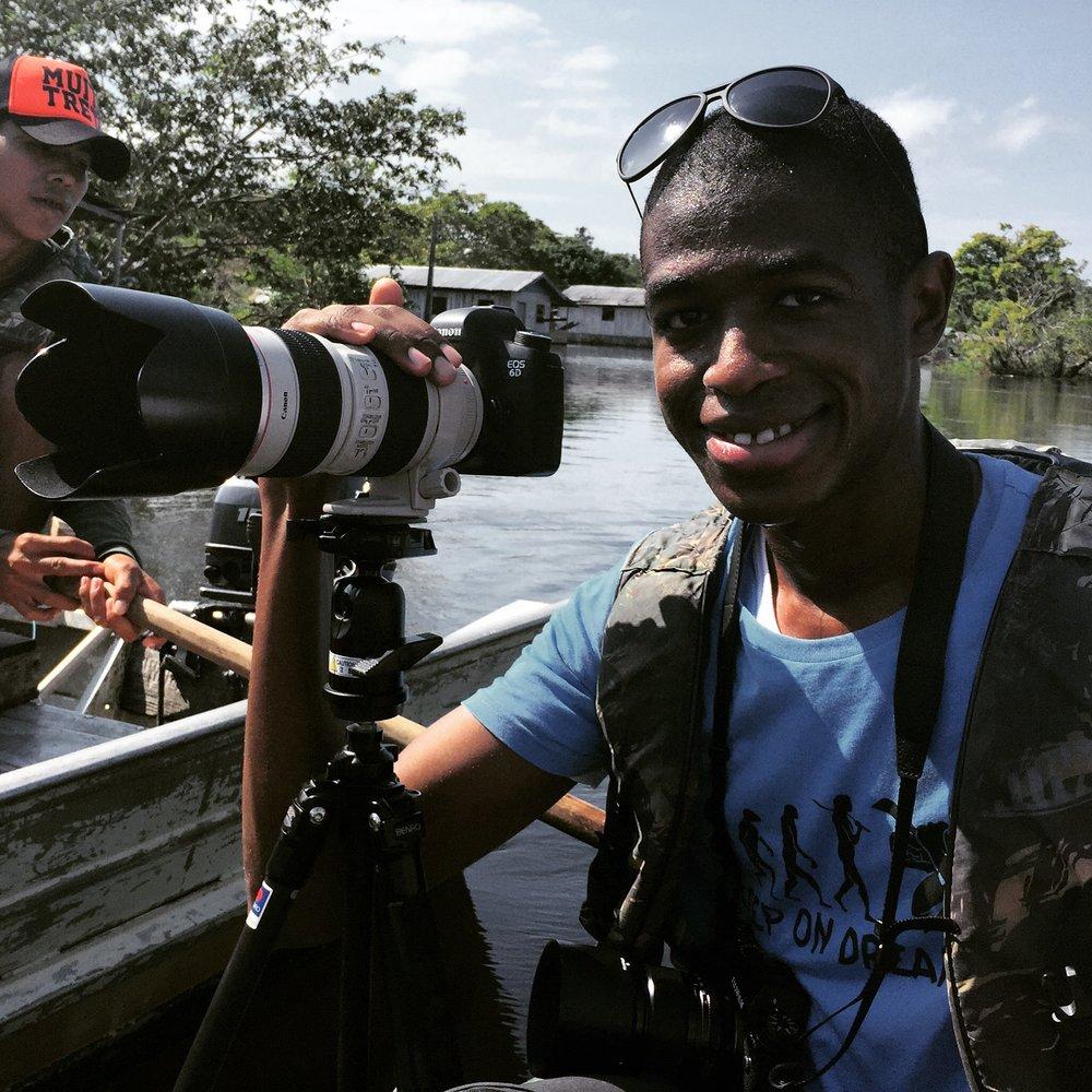 محدثكم، من وسط غابات الأمازون، صيف ٢٠١٥