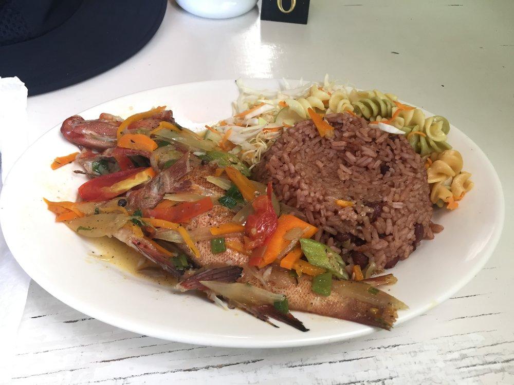 طعام محلي في جامايكا