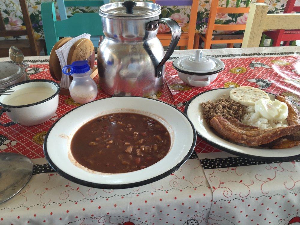 أشهر ما يمكنك تناوله في كولومبيا