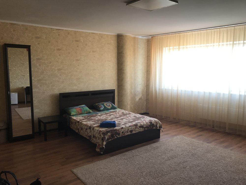غرفة نومي المتواضعة لدى الأسرة التي سكنت معها