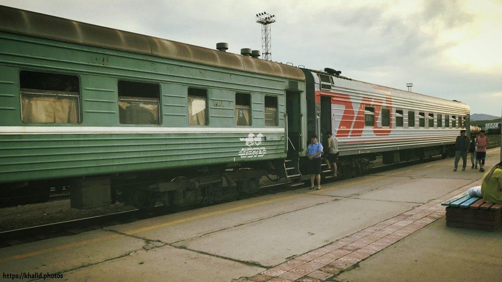 المقصورة اليتيمة بعد أن تم إلحاقها بالقطارات المنغولية