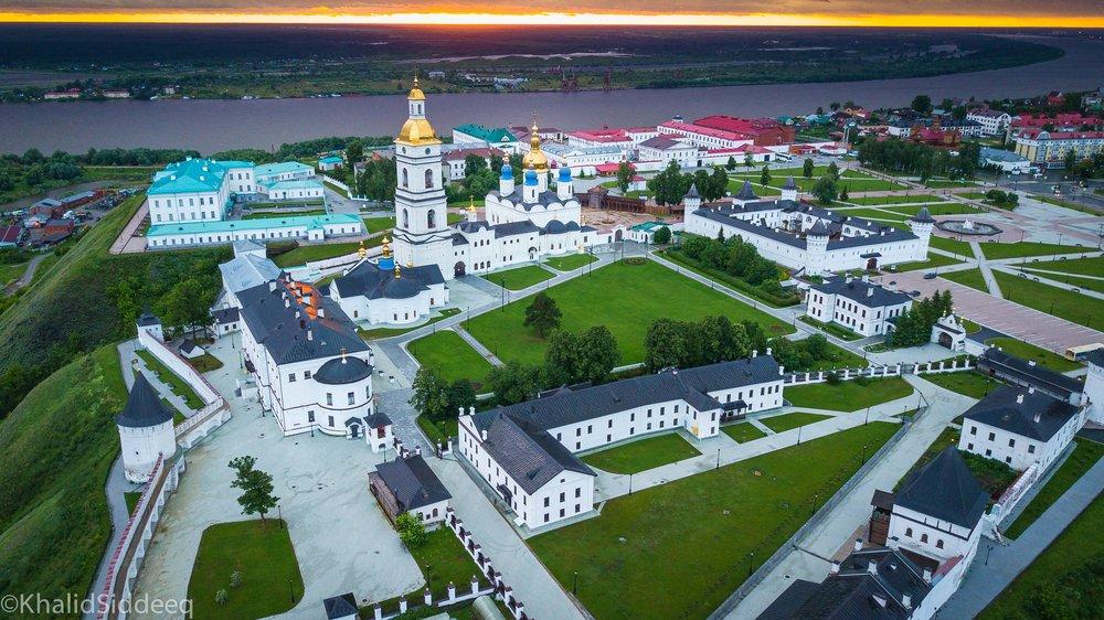 قصر الكرملين - سيبيريا - صورة جوية التقطتها بواسطة الكاميرا الطائرة لقصر الكرملين في مدينة توبولسك السيبيرية