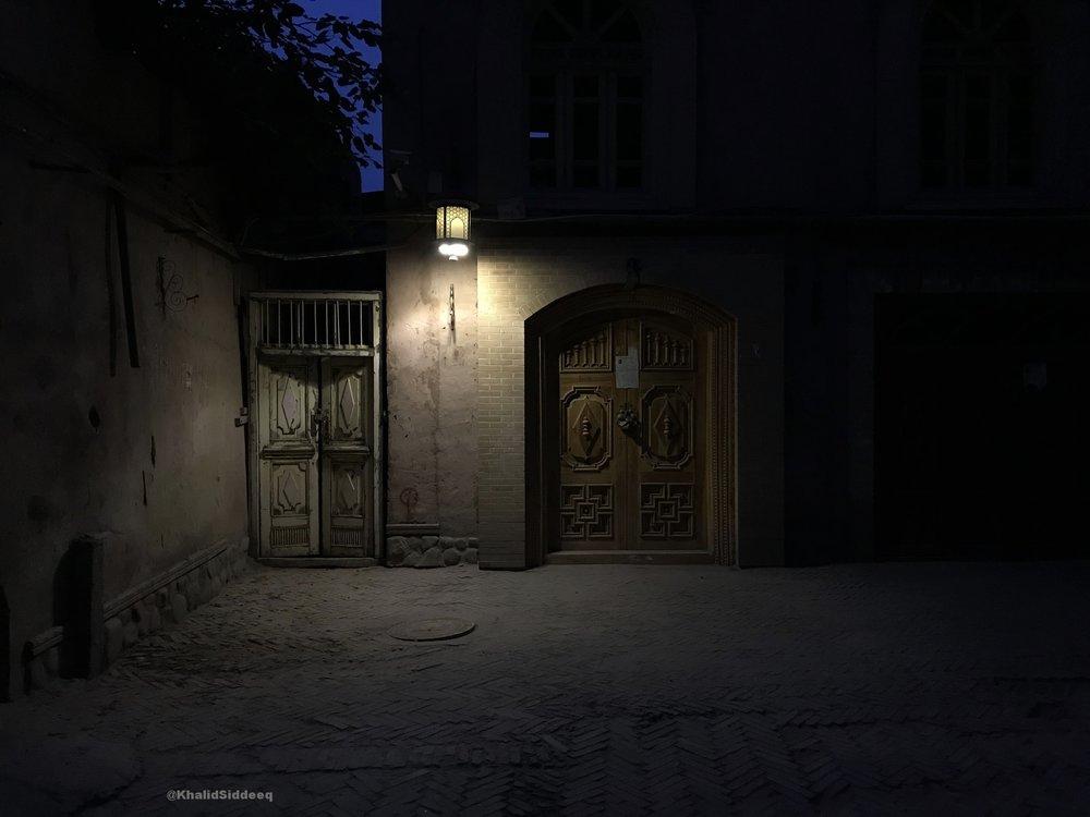 الليل في كاشغر - جميل.. وحزين