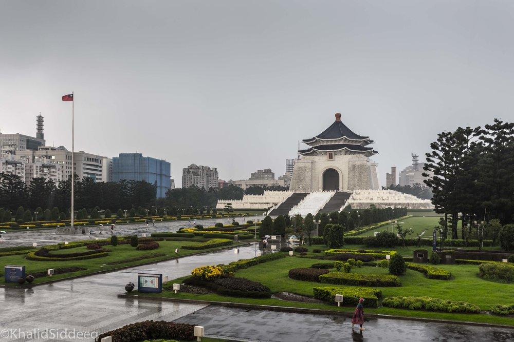شيانغ كاي شيك 中正紀念堂 - نصب تذكاري أقيم لرئيس تايوان السابق