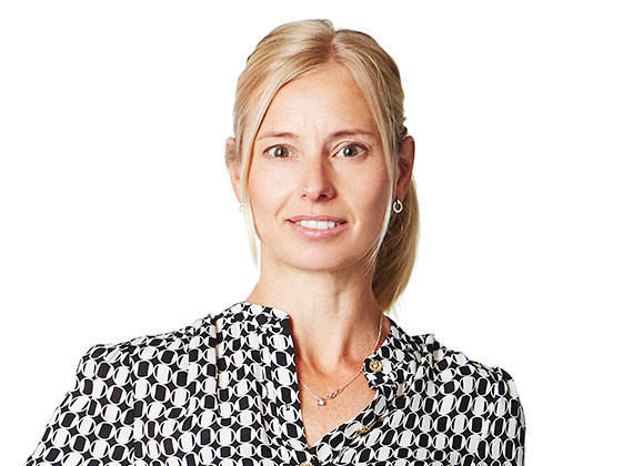 Anna Lundqvist , affärsområdeschef konsument, Duni  Anna har varit anställd på Duni sedan 2005 där hon haft flera roller i ledande bafattning, bla. marketing director, sales director och business controller. Dessförinnan var Anna management consult på Bearing Point.