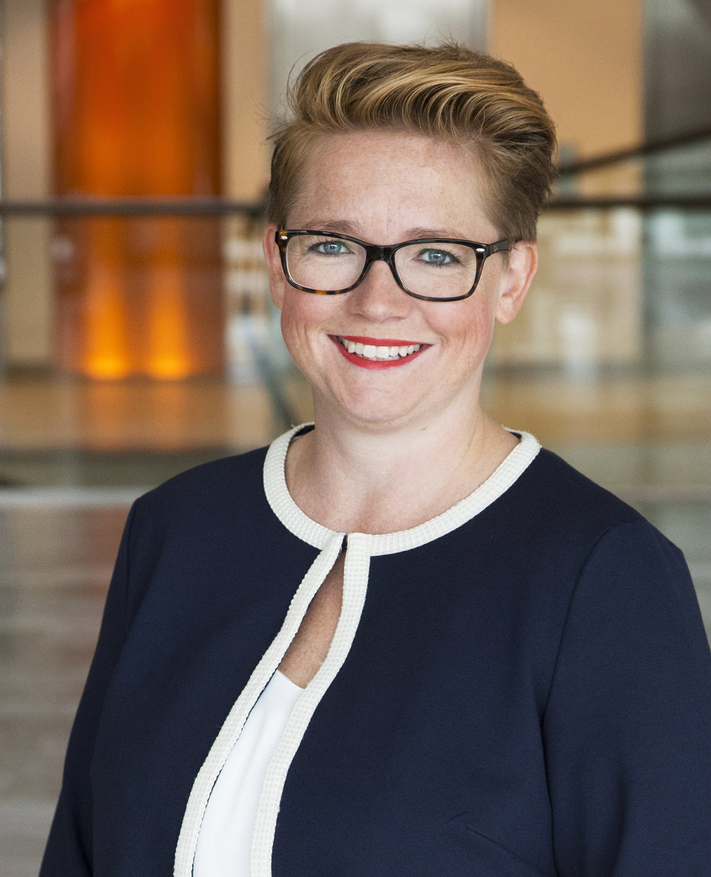 Pernilla Nordström, Senior riskkonsult, PwC Pernilla Nordström har 15 års erfarenhet av arbete med informationssäkerhet och riskfrågor i linjeroll och som konsult, både i Sverige och utomlands. Hon arbetar med att driva GDPR-relaterade projekt i Öresundsregionen tillsammans med de lokala experterna inom GDPR- och informationssäkerhet. Uppdraget är att identifiera effektiva sätt att implementera de nya kraven kring personuppgifter till maj 2018.