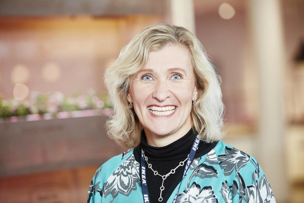 Catarina Englund, Sustainability Innovation Manager, IKEA-koncernen.   Catarina Englunds uppdrag som Sustainability Innovation Manager är att bygga nya affärslösningar för IKEA med innovation och hållbarhet som utgångspunkt.Hon är även ansvarig för att driva globala initiativ som täcker hela värdekedjan.