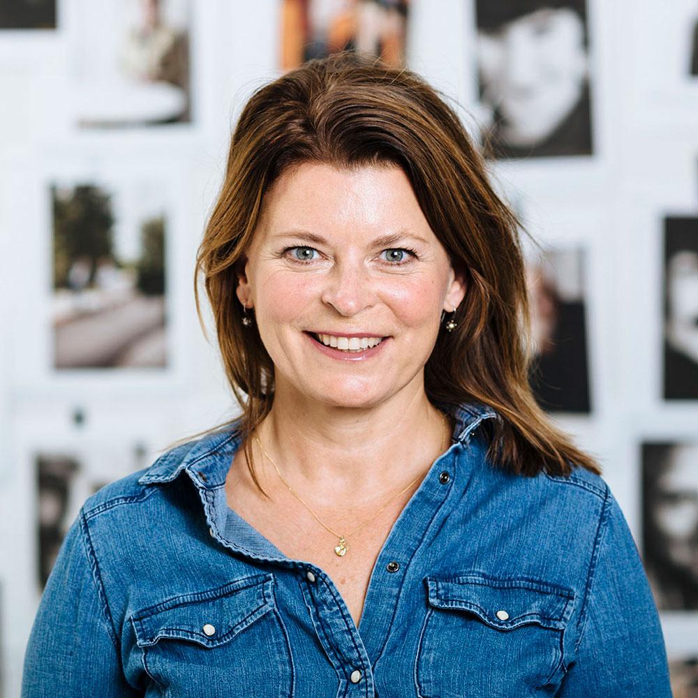 Charlotta   Alegria   Ursing, VD, Minc   Charlotta Alegria Ursing är VD på startuphuset Minc i Malmö. Hon har spenderat de senaste 20 åren med att bygga ägarledda bolag i Stockholm, framförallt inom IT och tech. Charlotta lämnade Stockholm för några år sedan för att istället bygga startup-Malmö. Hon ledde först regionens insatser för Next Step Startup som etablerades för att skapa nya bolag av den kompetens som lämnade efter skarpa nedskärningar på Sony Mobile i Lund, något som resulterade i ca 40 nya startups. Sedan åtta månader tillbaka är hon VD på Minc, startuphuset där flertalet framgångsrika edtech-startups suttit.
