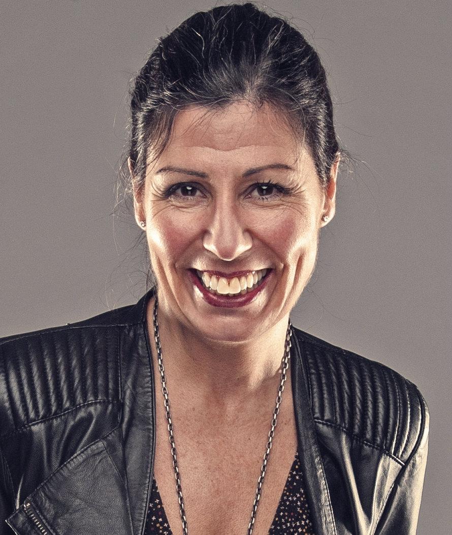 Christina Elwing,Varumärkesstrateg,   Skånetrafiken   Christina Elwing är varumärkesstrateg på Skånetrafiken och har mer än 20 års erfarenhet av strategisk varumärkesutveckling och kommunikation inom olika branscher,både i Sverige och internationellt. Christina brinner för att med utgångspunkt i Skånetrafikens nya varumärkesplattform bidra till ökad kundnöjdhet, ökade marknadsandelar och ett levande och mer hållbart Skåne.
