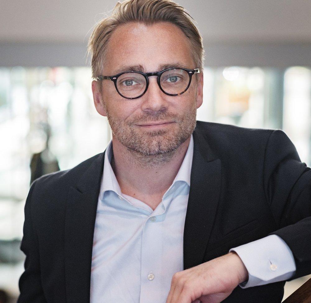 Andreas Jacobsson, Universitetslektor och docent i datavetenskap   Andreas Jacobson är universitetslektor och docent i datavetenskap.Han har även ett uppdrag som dekan vid Fakulteten för teknik och samhälle vid Malmö Universitet.