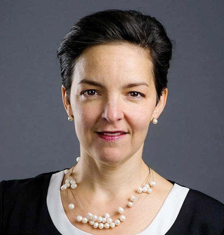 Dolores Öhman, Miljöpartistiskt regionråd, Region Skåne   Dolores är miljöpartistiskt regionråd med ansvar för e-hälsofrågorna i Region Skåne. Dolores har en bakgrund som jurist och är även utbildad i miljömanagement och har tidigare arbetat med verksamhetsutveckling.
