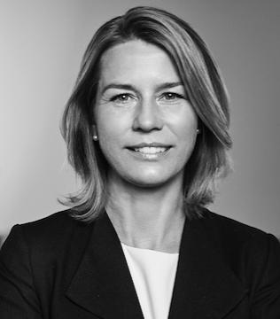 Lena Sellgren  Chefsekonom och analyschef, Business Sweden  Business Swedens syfte är att hjälpa svenska företag att öka sin globala försäljning och internationella företag att investera och expandera i Sverige.Lena har lång erfarenhet från omvärldsbevakning och ekonomiska analys. Innan Business Sweden var hon chefanalytiker på Nordea Markets. Hon har en gedigen erfarenhet av arbete inom offentlig sektor. Hon har varit chef för offentliga finanser vid Konjunkturinstitutet och arbetat drygt tio år vid Finansdepartementet bland annat som chef för skatteekonomisk analys. Dessutom har hon varit expert i ett flertal offentliga utredningar och deltagit i arbetsgrupper inom EU och OECD. Hon har även varit styrelseledamot i Norges forskningsråd och expert i Sydsvenska handelskammarens Produktivitetskommission. Lena är nationalekonom från Lunds universitet och Handelshögskolan i Stockholm (forskarutbildning). Hon har också en byggingenjörsexamen.