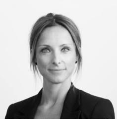 Linda Laszlo Ek  Senior Trade & Legal Advisor, Business Sweden  Linda har en bakgrund som affärsjurist och har närmare 20 års erfarenhet av arbete med internationella handelsfrågor från både offentlig och privat sektor. Sedan 2011 arbetar hon som rådgivare på Business Sweden där hon hjälper företag med den praktiska hanteringen av export, framförallt med fokus på de nya utmaningar som e-handelsföretag ofta står inför då de ska exportera till andra e-handelsmarknader. Linda håller föreläsningar och kurser runtom i landet i detta ämne och har bland annat skapat E-handelsguiden, som är ett populärt verktyg för svenska e-handelsföretag som vill ut i världen.