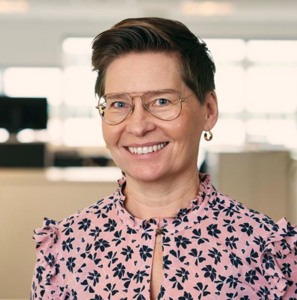 Ulrika Hallengren   Ulrika är sedan 1 maj 2018 VD för Wihlborgs AB. Dessförinnan har hon framgångsrikt drivit ett antal stora utvecklingsprojekt och affärer inom bolaget som projekt- och utvecklingschef. I hennes nya roll ska hon nu ansvara för att driva fortsätt tillväxt och modernisering av Wihlborgs som äger, förvaltar och utvecklar kommersiella fastigheter i Öresundsregionen.