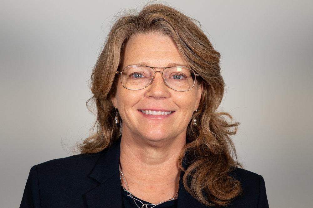 Evalotta Elnertz  Managementkonsult, Knowit Insight  Evalotta är en driven ledare med stor erfarenhet av förändringsarbete och verksamhetsutveckling i komplexa organisationer där kraven på digitalisering är höga och förutsättningarna utmanande. Med bland annat mer än 15 års erfarenhet av olika ledningsuppdrag i kommun och landsting i bagaget arbetar hon nu på Knowit Insight med att utveckla andra att leda och driva verksamheter i förändring.