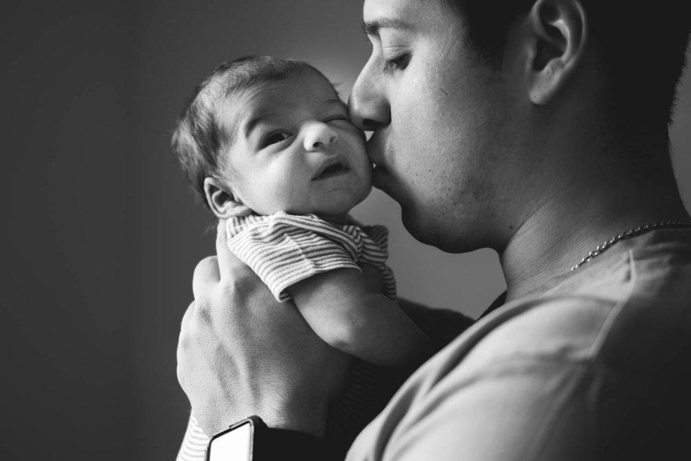 GavinNoyola_newborn-49.jpg