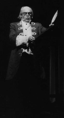 John Duykers als Benjamin Franklin
