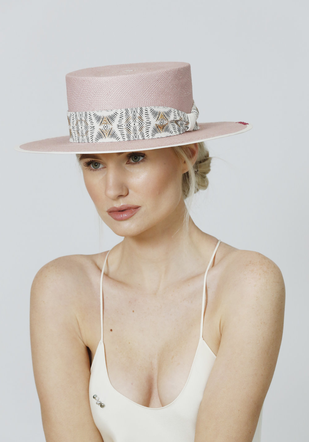 NO FEE184 CIFD MILLINERY COLLECTIONS SS19 .JPG