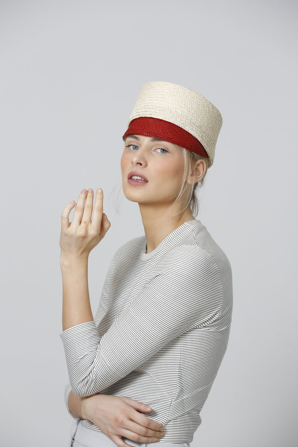 NO FEE201 CIFD MILLINERY COLLECTIONS SS19 .JPG